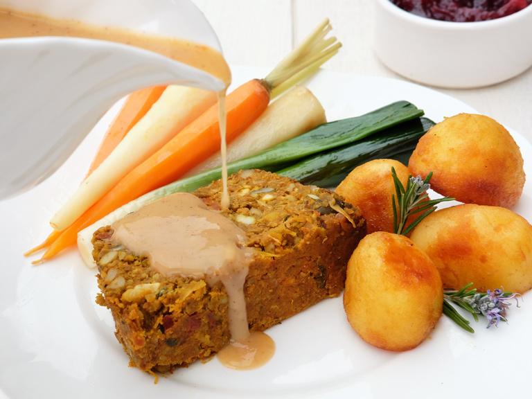 Veggie vegan nut roast