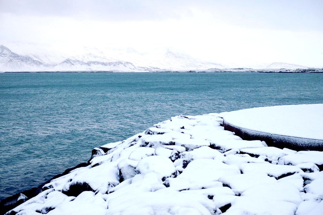 Rekyjavik seafront in snow