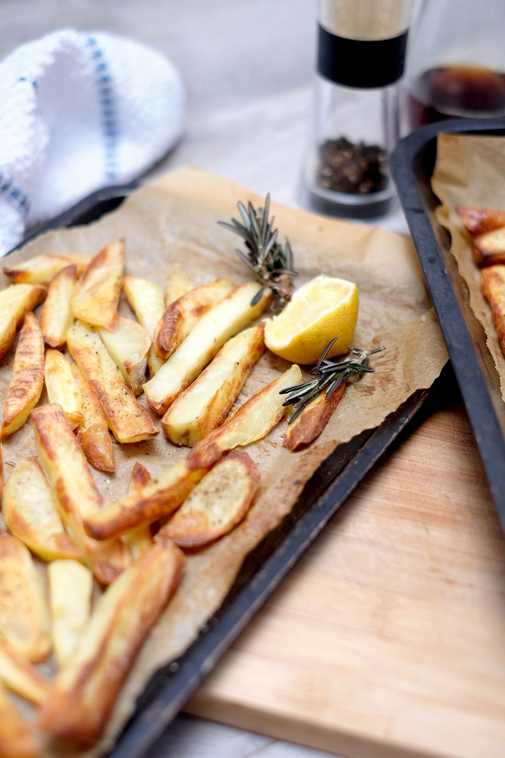 Oil free oven baked fries