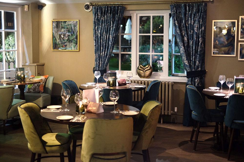 Devon Doorway bar and lounge