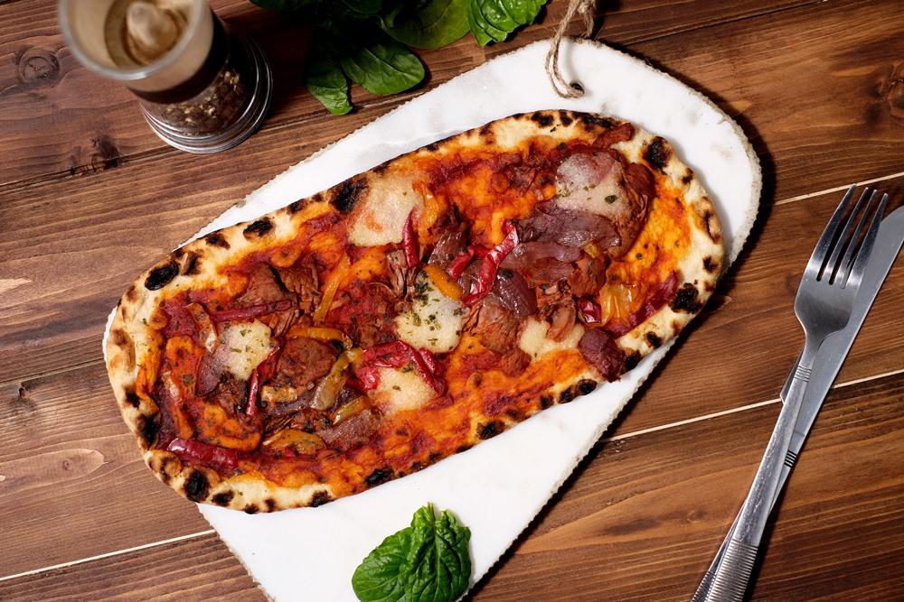 Vegan jackfruit pizza