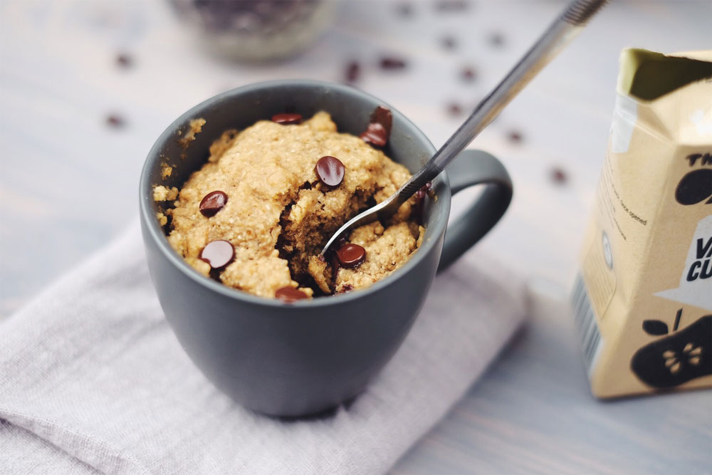 Healthy cookie mug cake recipe