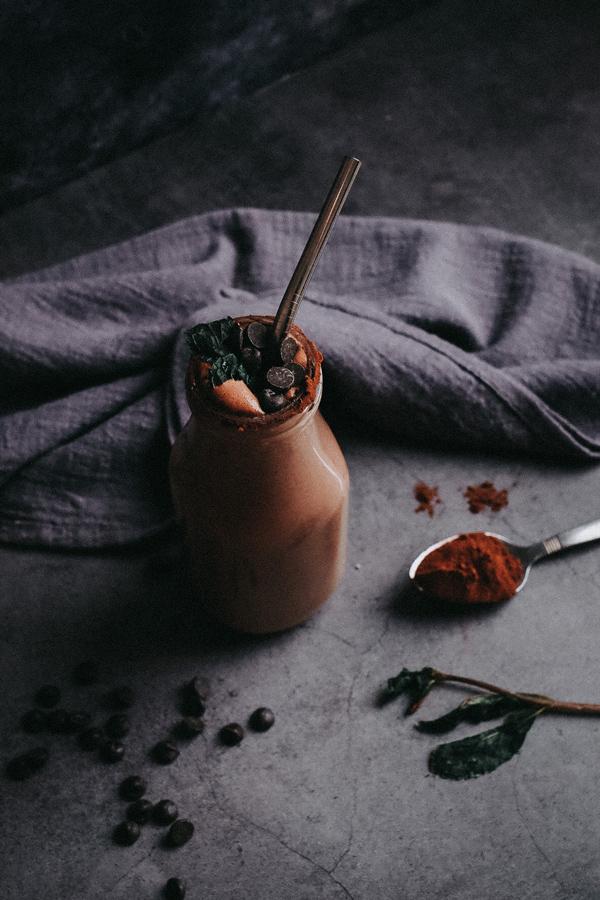 Healthy vegan chocolate mint shake